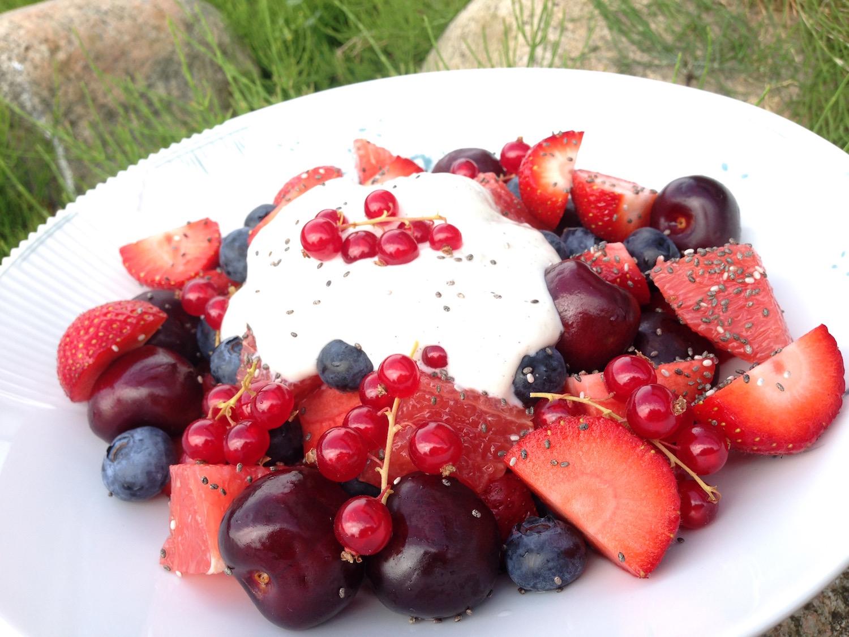 Frugtsalat med chia-topping